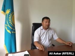 Шұбарши ауылдық округінің әкімі Азамат Өсербаев. 23 маусым 2016 жыл.