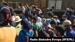 Izbeglice na železničkoj stanici u Đevđeliji