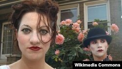 Аманда Палмэр і Браян Вільёнэ з дуэту The Dresden Dolls