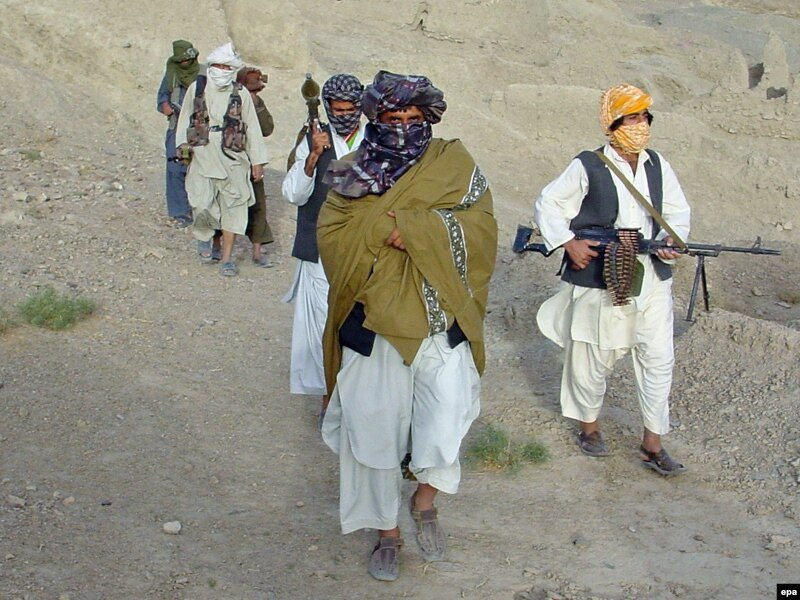 وزارت دفاع: در سراسر کشور مرکز ۸ ولسوالی در دست طالبان مسلح است
