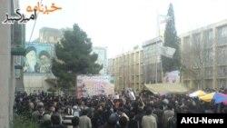 تجمع دانشجویان دانشگاه امیرکبیر در اوائل اسفند ۸۷