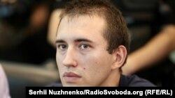 Сергій Мазур (на фото) озвучує дві версії імовірних причин нападу
