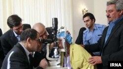 Ирандын саламаттык сактоо министри Хасан Хашеми.