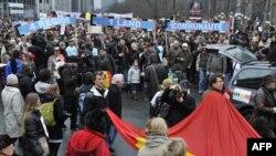 Протести во Белгија на кои демонстрантите бараат политичарите да формираат влада