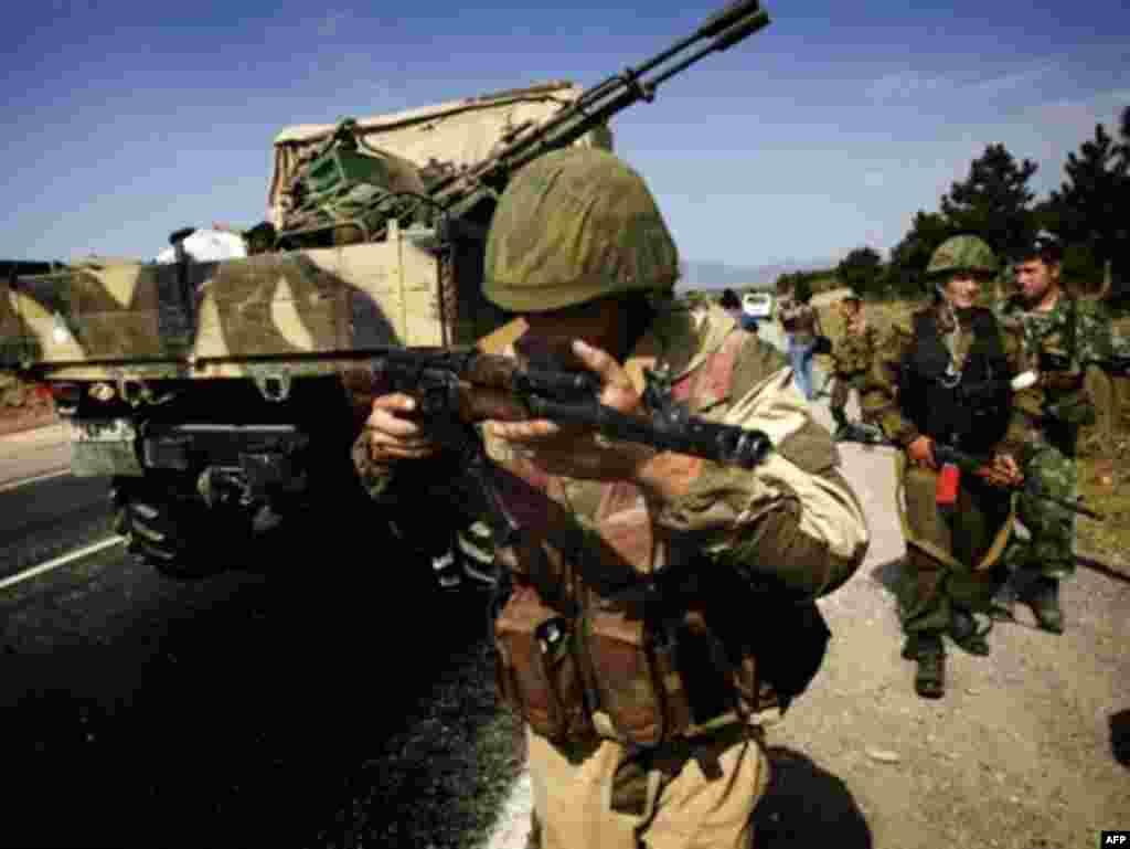Российские войска вошли в Гори 13 августа, не встретив сопротивления, и направились в сторону Тбилиси.