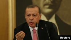 Президент Турции Реджеп Эрдоган на пресс-конференции в Стамбуле. 8 сентябрь 2017 года.