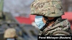 19-njy martda Gazagystanyň Nur-Soltan we Almaty şäherleriniň daşy baglandy.