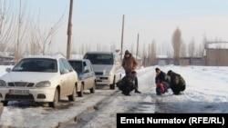 Өзбекстандын ичиндеги Кыргызстандын Барак эксклавынын тургундары.