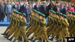 Еревандағы әскери парад. (Көрнекі сурет)
