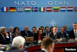 Засідання у штаб-квартирі НАТО. Брюссель, 2 грудня 2015 року
