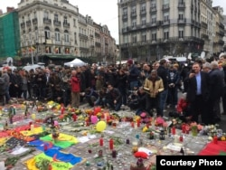 Жарылыс құрбандарын еске алушылар. Брюссель, 23 наурыз 2016 жыл.