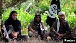 İŞİD yaraqlıları