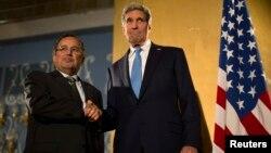 Եգիպտոս - ԱՄՆ-ի պետքարտուղար Ջոն Քերրին և Եգիպտոսի արտգործնախարար Նաբիլ Ֆահմին Կահիրեում համատեղ ասուլիսի ժամանակ, 3-ը նոյեմբերի, 2013թ․