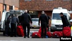 Эксперты Организации по запрещению химического оружия (ОЗХО), прибывшие в Солсбери, где были отравлены бывший агент ГРУ Сергей Скрипаль и его дочь. 21 марта 2018 года.