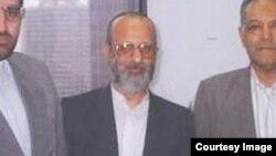 محمدتقی مصباح یزدی در لباس شخصی در آمریکا