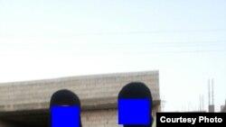 Озодликка WhatsApp орқали боғланган Абу Абдуллоҳ (ўнгда) эндиликда марҳум экани айтилган ўзганлик жиҳодчи билан.