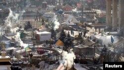 چادرهای معترضان مخالف دولت در میدان مرکزی کیف- هفتم بهمنماه ۱۳۹۲