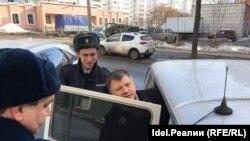 Марсель Шамсутдинов покидает Вахитовский райсуд Казани