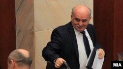 Јавниот обвинител Марко Зврлевски на собраниска седница за негово разрешување