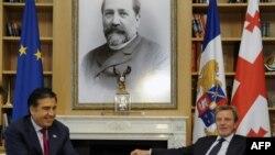 Վրաստանի նախագահ Միխեիլ Սահակաշվիլիի եւ Ֆրանսիայի արտգործնախարար Բեռնար Քուշների հանդիպումը, Թբիլիսի, 15-ը հուլիսի, 2010թ.