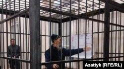 Азимҷон Аскаров дар додгоҳ.