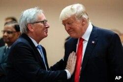 Президент США Дональд Трамп (праворуч) та президент Європейської комісії Жан-Клод Юнкер (ліворуч)