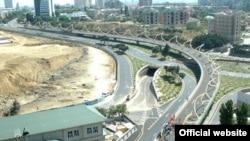 2006-cı ildən bəri 21 yol ötürücüsü və yol qovşağı, yeraltı keçid tikilib