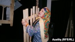 Дүртөйле театры артисты Роза Ханова Җамал ролендә