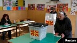 Pamje nga votimet më 11 dhjetor në Maqedoni