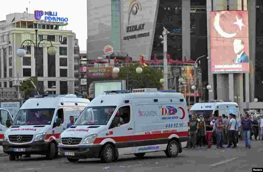 Прем'єр-міністр Туреччини Біналі Йилдирим заявляє, що внаслідок спроби військового перевороту загинули 161 людей і 1440 поранені. Про це він сказав в ефірі телеканалу Habertürk. За його словами, 2839 військовослужбовців, які підтримують спроби державного перевороту, заарештовані