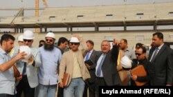 الوفد الهندسي الخليجي يتفقد مراحل العمل في مشروع المدينة الرياضية في البصرة