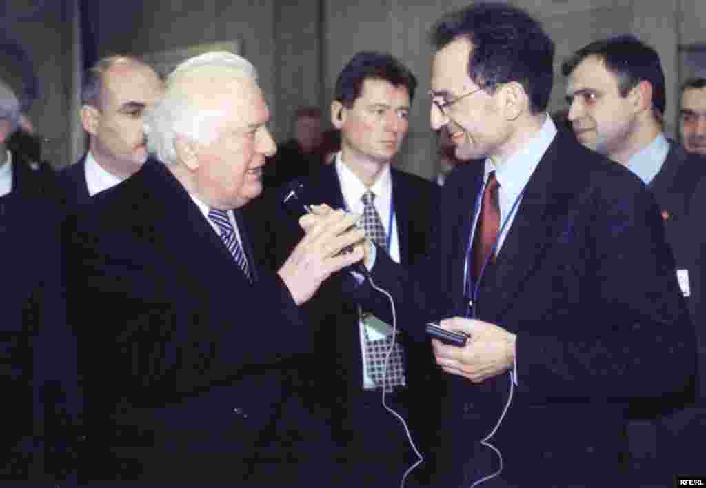 Шеварднадзе дар Прага, 21 ноябри соли 2002.