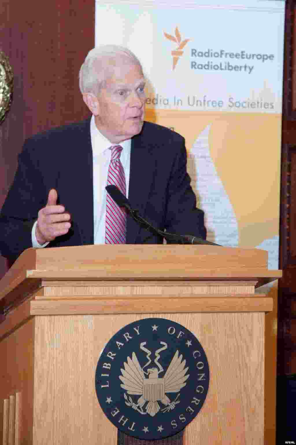 Librarian of Congress Dr. James Billington speaking at the opening of the exhibit. - (Photo by P. Alunans)