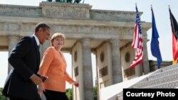 АҚШ президенті Барак Обама мен Германия канцлері Ангела Меркель. (Көрнекі сурет)