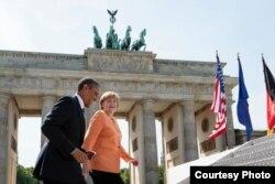 Președintele Barack Obama la Berlin alături de cancelara Angela Merkel