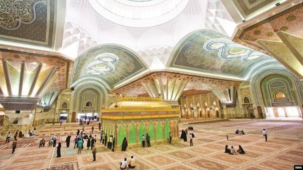 تصویری از فضای داخلی مقبره خمینی