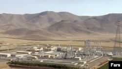 نیروگاه اتمی آب سنگین اراک