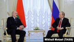 Vladimir Putin və Alyaksandr Lukashenka