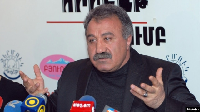 Armenia -- Opposition politician Sasun Mikaelian at a press conference in Yerevan, 17Feb2012