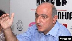 Председатель Ереванского пресс-клуба Борис Навасардян (архивная фотография).