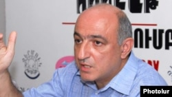 Երեւանի մամուլի ակումբի նախագահ Բորիս Նավասարդյան