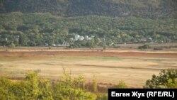 Чернореченское водохранилище, которое снабжает Севастополь водой, 30 сентября 2020 год