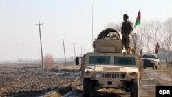 Силы безопасности Афганистана патрулируют улицы Кундуза. 14 декабря 2015 года.