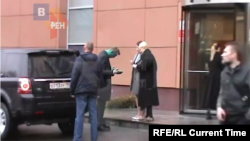 Кадр із відео з камер спостереження у день нападу на Олексія Навального
