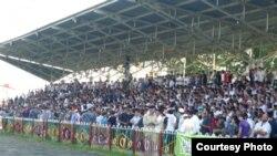 21 августа единственный стадион в Назрани был забит под завязку. Фото onedivision.ru