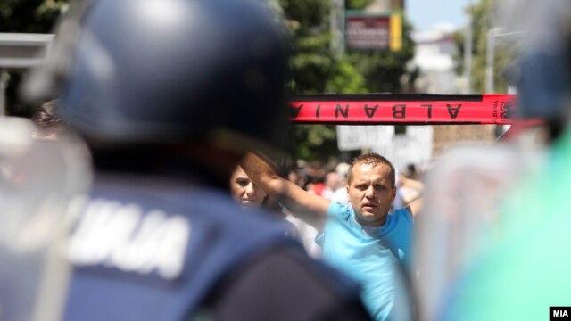 Protestat në Maqedoni, porosi për partitë shqiptare