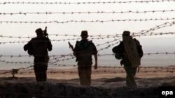На афганской границе, Таджикистан (иллюстрация)