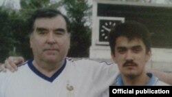Президент Таджикистана Эмомали Рахмон (слева) со своим сыном Рустамом Эмомали.