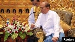 Претседателот на Мјанмар Теин Сеин.