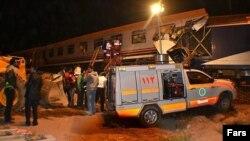 علت وقوع تصادف عبور از چراغ قرمز در ورود به ايستگاه با سرعت غيرمجاز و تغيير مسير و اعلام اشتباه مسئول کنترل ايستگاه اعلام شده است.